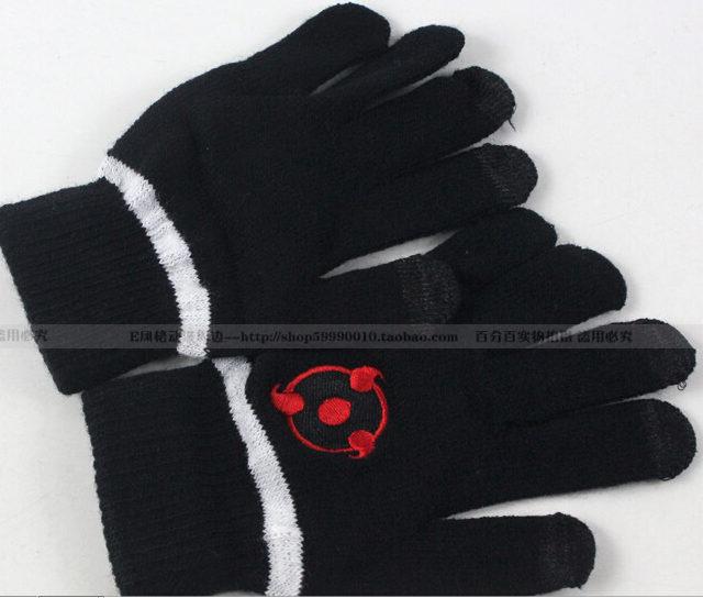 Superb Naruto's three Yasaka Magatama symbol winter gloves